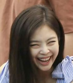 [text] how jennie and jisoo come together Blackpink Funny, Memes Funny Faces, Funny Kpop Memes, Funny Girls, Yg Entertainment, Kim Meme, K Pop, Memes Blackpink, Little Memes