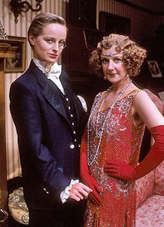 Cissy és Poppy (Catherine Rabett és Susie Brann) British Comedy, British Actors, Bbc Tv Series, Roaring Twenties, Best Tv, Poppies, Vintage Fashion, Singer, Actresses