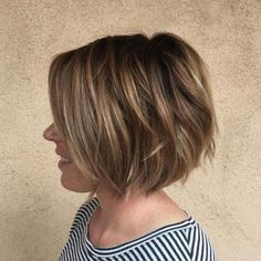 Short bob haircuts and hairstyles are perfectly versatile. Changing color, shape or dimension, stylists can find an ideal short bob for every woman! Consider short bobs from our gallery! Square Face Hairstyles, Bob Hairstyles For Thick, Short Layered Haircuts, Sleek Hairstyles, Layered Hairstyles, Natural Hairstyles, Curly Pixie Hairstyles, Layered Bob Short, 2015 Hairstyles