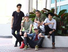 Los amo ♡♡♡♡♡ mas a chris my hubs Cnco Richard, Scott Mccall, Disney Music, Ricky Martin, Selfie Time, Celebrity Outfits, Funny Me, Real Man, Twenty One Pilots