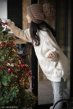 Cozy Christmas Trendy Casual Home Outfit Fashion – Designers Outfits Collection Cozy Christmas, Christmas Photos, Christmas And New Year, Followers En Instagram, New Year Photos, Christmas Photography, Winter Outfits, Winter Fashion, Winter Hats