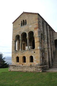 Santa María del Naranco, Asturias, España