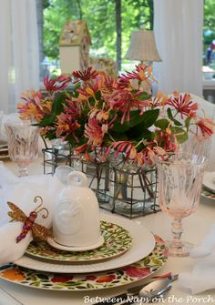 spring table settings   Easter Spring Table Settings with Floral Centerpiece   Tablescapes