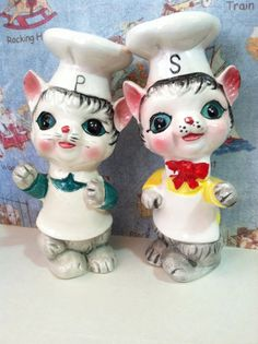 VERY RARE Vintage Green Eyed Chef Cats Kittens Salt and Pepper Shakers Japan Antique Collectibles or Cake Toppers