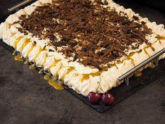 MAMMAS KARAMELLKAKE - Bremykt Dessert Cake Recipes, Pudding Desserts, Caesar Pasta Salads, Brown Betty, Norwegian Food, Homemade Sweets, Let Them Eat Cake, Sweet Tooth, Food And Drink