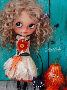 Blythe doll OOAK outfit *Esotic flower* real BATIK vintage style dress