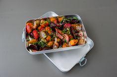 Rustikk servering på aluminium brett fra vårt serveringskapittel!