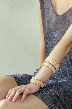 Bracelets made of birch root Gunnel Eriksson for Heart of Lovikka. (Foto Heart of Lovikka)