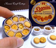 me ~ Miniature Food Danish Butter Cookies Biscuits Miniatures Bakery Pastry Tea Set Blythe Barbie Pullip bjd Dolls Playscale Fake Food scale Miniature Crafts, Miniature Food, Miniature Dolls, Barbie Food, Doll Food, Tiny Food, Fake Food, Polymer Clay Miniatures, Dollhouse Miniatures