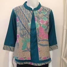 Hasil gambar untuk blouse wanita kombinasi batik 2018