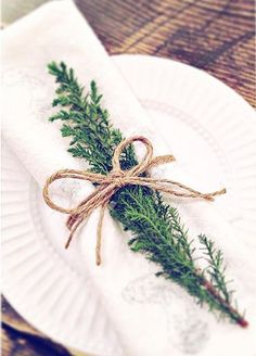 Christmas table setting. Rustic country.