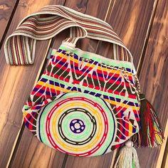 8 отметок «Нравится», 2 комментариев — Wayuuistanbul (@wayuuistanbul) в Instagram: «#wayuuistanbul#wayuubags #handmade#wayuustyle #women#summer#bohostyle #summer#summer2017»