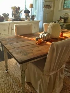 Junkaholics Unanimous: $10 Find: Antique Farm Table and Fall Tablescape