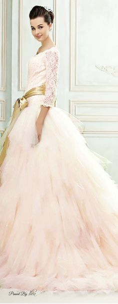 If you don't want a typical white gown, this blush pink wedding dress is GORGEOUS! Wedding Attire, Wedding Gowns, Camo Wedding, Gold Wedding, Mode Glamour, Dress Vestidos, Beautiful Gowns, Gorgeous Dress, Dream Dress