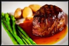 The perfect romantic meal is the Filet Mignon. Tender, and perfect for two, this is a great steak, and these recipes make it even better. A1 Steak Sauce, Steak Sauce Recipes, Beef Recipes, Cooking Recipes, Cooking Fish, Filet Mignon Sauce, Macaroni Chinois, Ruth Chris Steak, Cooking Venison Steaks