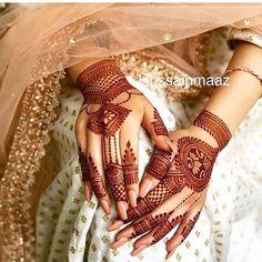 94 Easy Mehndi Designs For Your Gorgeous Henna Look Henna Hand Designs, Mehandi Designs, Wedding Mehndi Designs, Unique Mehndi Designs, Wedding Henna, Beautiful Henna Designs, Wedding Day, Heena Design, Indian Wedding Mehndi