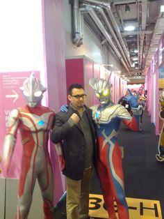 I frakking <3 Ultraman