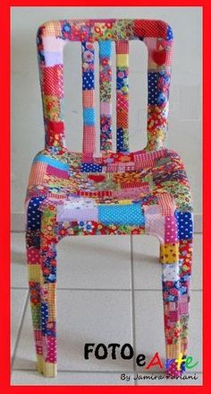 Fika to Dika - For a Better World: How Coating Plastic Furniture Boho Diy, Boho Decor, Painted Chairs, Painted Furniture, Crafts To Make, Fun Crafts, Small Blankets, Crochet Round, Cool Chairs