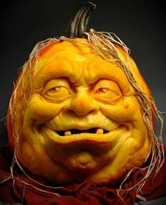 Ray Villafane - professional pumpkin carver
