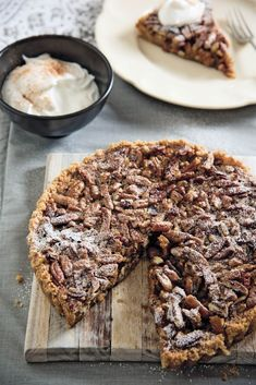 Maklike pekanneuttert Easy Pie Recipes, Baking Recipes, Dessert Recipes, Best Pecan Pie Recipe, Good Food, Yummy Food, South African Recipes, Piece Of Cakes, Delicious Desserts