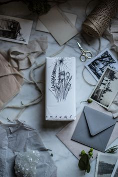 Strains of Consciousness Creative Gift Wrapping, Present Wrapping, Creative Gifts, Wrapping Papers, Paper Packaging, Pretty Packaging, Gift Packaging, Packaging Ideas, Christmas Wrapping