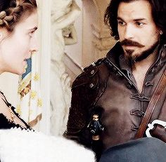 """When are we talking about the fact that the very first time Muskebaby meets his real!daddy he's waving at his Papa? It's no wonder Aramis is already in love with his son and CALLING him """"my son"""". Muskebaby knows what's up guys."""