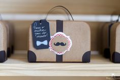 Maleta Vintage com Bigode - Lembrança Dia do Pais - Fahter's Day Favor Box - Suitcase with mustcahe