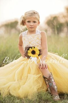 Sunflower Dress Yellow Dress Flower Girl Dress Shabby Chic Lace Dress Tulle dress Wedding Dress Birthday Dress Toddler Dress sunflower Girls Dress Imagine your little princess twirling and dancing in this ultra fluffy tulle tutu at your wedding! This set includes a top and skirt with a brown sati #toddlerdresstulle