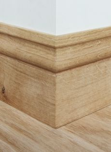 Ogee skirting board would love in white