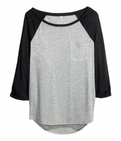 Can't believe this baseball tee is only $5! H&M