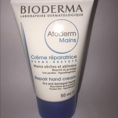 Bioderma Atoderm Hands Repairing Cream 50ml Made in France, Exp:05/2017, Sealed.     Regenerating and nutritive, Bioderma Atoderm Hands Repairing Cream 50ml regenerates the most damaged skins and quickly relieves the desiccated and frequently attacked hands, because of environmental stresses, prone to dermatological problems (irritations dryness, chapped skin, cracks,…). It's rich and creamy texture offers an immediate and long-lasting feeling of wellbeing. hands are nourished and protected…