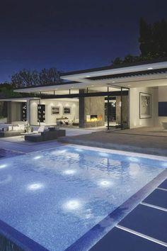 Casa minimalista con increible vista exterior y pileta!