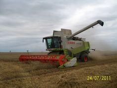 Find some pictures about class combine harvester http://www.agriaffaires.co.uk/used/combine-harvester/1/3902/claas.html