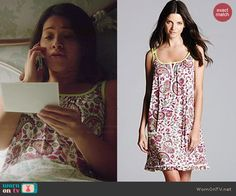 Jane's paisley printed nightie on Jane the Virgin.  Outfit Details: http://wornontv.net/45490/ #JanetheVirgin