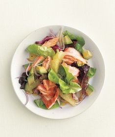 Grilled salmon salad with grapefruit | RealSimple.com