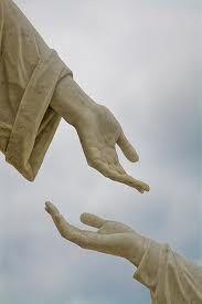 szepernoaddakezed Holding Hands, Ads