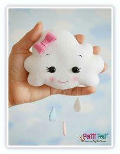 Idea for needle felting Baby Crafts, Felt Crafts, Diy And Crafts, Felt Patterns, Stuffed Toys Patterns, Sewing Crafts, Sewing Projects, Baby Mobile, Felt Decorations