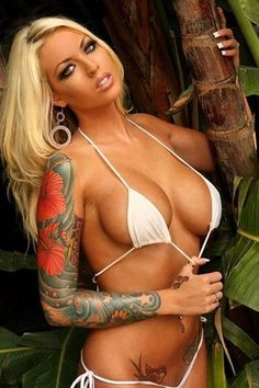 tattoos: The Hottest Small and Sexy Tattoo Designs For Girls - Flowers, Butterflies, Sayings, Stars and More