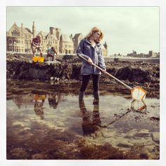 #Day17 of #100HappyDays – of #Faberystwyth: Students exploring the rocks at low tide =============== #Diwrnod17 of #100DiwrnodHapus - #Ffaberystwyth: Myfyrwyr yn archwilio'r creigiau yn ystod llanw isel #aberystwyth #wales #sea #unilife