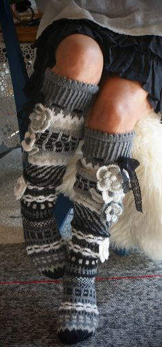 Hyvää syksyistä keskiviikkoa!   Sukkia on taaskin valmistunut ja varmaan osa näistä jää kuvaamattakin!   S... Crochet Socks, Knit Mittens, Knit Crochet, Boot Cuffs, Knee Socks, Crochet Fashion, Leg Warmers, Fingerless Gloves, Bag Accessories