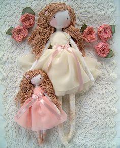 The best baby gifts. Handmade dolls, rag dolls, princess dolls and dress up waldorf dolls. Vintagerosesdolls unique, self-made handmade dolls. Little Baby Girl, Little Babies, Gifts For Girls, Girl Gifts, Best Baby Gifts, Waldorf Dolls, Cuddling, New Baby Products, Flower Girl Dresses