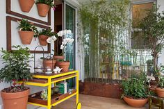 A 23ª edição da mostra chega mais conectada à sustentabilidade e ao jeito de morar nas grandes cidades. Até 18 de novembro, na Barra.