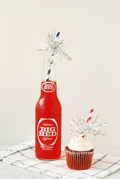Easy 4th of July Sparkler Drinking Straws