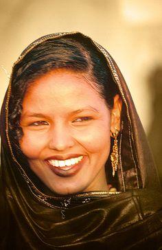 Sonrisa tuareg, Festival de Essouk - Tuareg smile, Essouk Festival (January 2004) www.vicentemendez.com