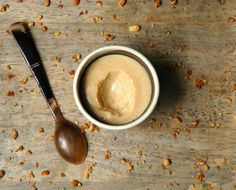 Petits pots de crème au praliné comme la crème Mont Blanc de mon enfance.