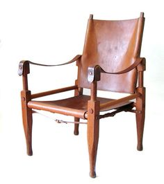 Wilhelm Kienzle vintage design Safari chair.   Designed by Wilhelm Kienzle in 1928 for Wohnbedarf. Wilhelm Kienzle worked in 1914 with Peter Behrens at AEG in Berlin. Taught at the Zurich School of Design from 1916 to 1951  Dimensions: 89 cm height, 56 x 56 cm.