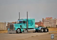 Beauty shots of Pride & Polish champs and GATS Best of Show rigs (and a full winners list) Peterbilt 359, Peterbilt Trucks, Dually Trucks, Diesel Trucks, Ford Trucks, Show Trucks, Big Rig Trucks, Custom Big Rigs, Custom Trucks