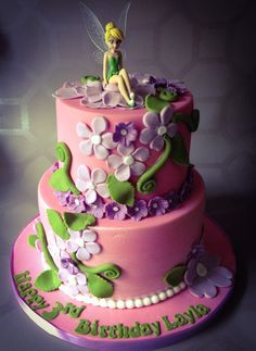 Tinkerbell cake but purple with pink flowers. Tinkerbell Birthday Cakes, 4th Birthday Cakes, Tinkerbell Party, Fairy Birthday Cake, Birthday Ideas, Cupcakes, Cupcake Cakes, Bolo Tinker Bell, Foto Pastel