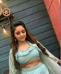 Indian Teen, Indian Girls, Girl Photo Poses, Girl Photos, Teen Celebrities, Celebs, Salwar Neck Designs, Teen Actresses, Stylish Girl Pic