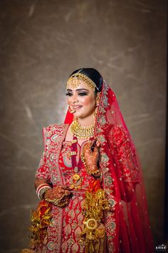 This Traditional and Romantic Shagun Ceremony at the Taj Swarna Amritsar, is no less than a fairytale. From a dreamy shagun ceremony at the Taj Swarna Amritsar, a regal red bridal lehenga to a magnificent big fat Indian wedding, this wedding had it all. Check this out to know everything about this beautiful affair.